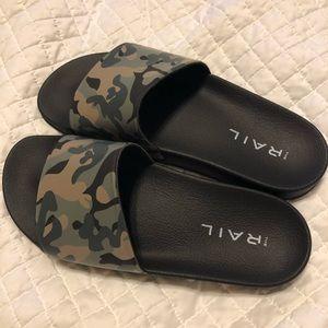 NWOT Men's The Rail Bondi Slide Sandal